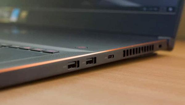 Зазор ноутбук-стол